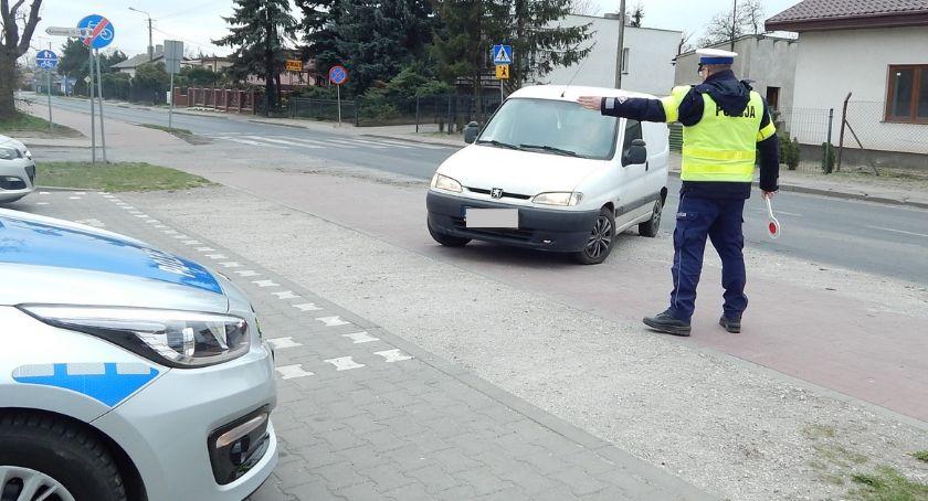 Kronika kryminalna , Nietrzeźwy weekend drogach naszego powiatu Policjanci zatrzymali czterech kierowców - zdjęcie, fotografia