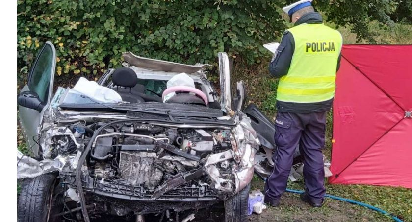 Wypadek drogowy, Śmiertelny wypadek Bzowie Droga zamknięta - zdjęcie, fotografia