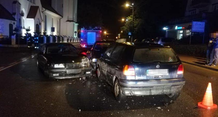 Kronika kryminalna , Kobieta rozbiła cztery samochody Jechała środkiem drogi - zdjęcie, fotografia