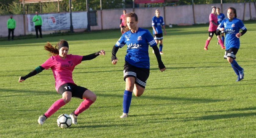 Piłka nożna, Piłkarki Strażaka Przechowo ograły kolejnego beniaminka [ZDJĘCIA] - zdjęcie, fotografia