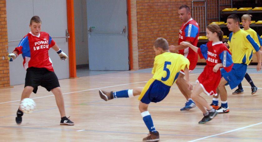 Piłka nożna, Wydrzno najlepsze Bąkowo trzecie turnieju Domów Dziecka Świeciu [ZDJĘCIA] - zdjęcie, fotografia