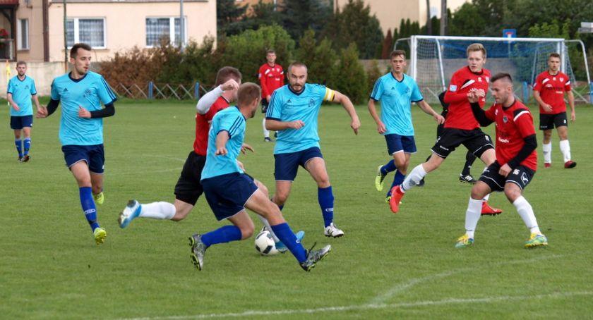 Piłka nożna, klasa Strażak Przechowo wygrał Czarnymi Lniano [ZDJĘCIA] - zdjęcie, fotografia