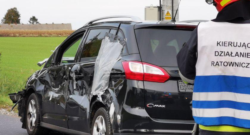 Wypadek drogowy, OSTATNIEJ CHWILI Wypadek Plewnie Zderzenie dwóch osobówek - zdjęcie, fotografia
