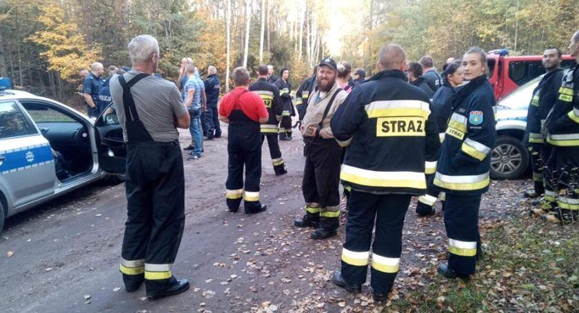 Akcja straży, Poszukiwania grzybiarza szukało pięć zastępów straży policja drodze kolejna akcja - zdjęcie, fotografia