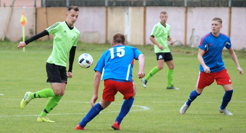 Piłka nożna, klasa Derby gminy Świecie - zdjęcie, fotografia