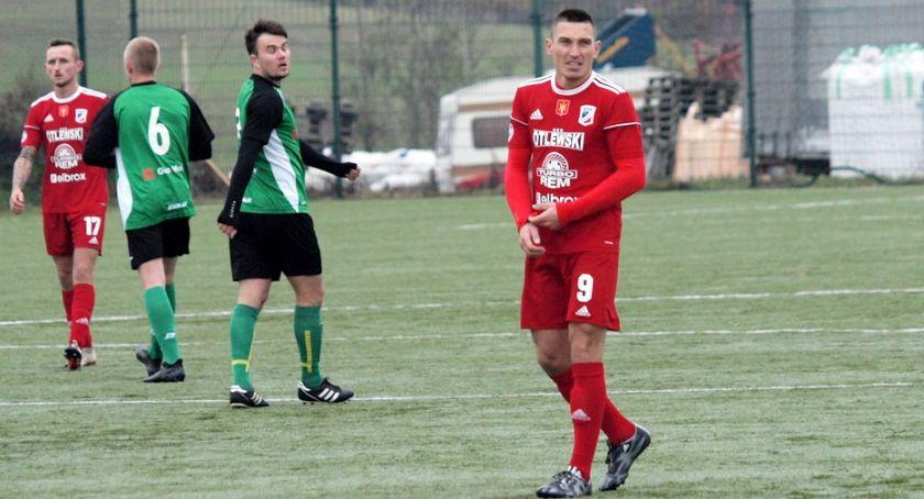 Piłka nożna, Świecie wysoko ograła Promień Pięć Wojciecha Ernesta [ZDJĘCIA] - zdjęcie, fotografia