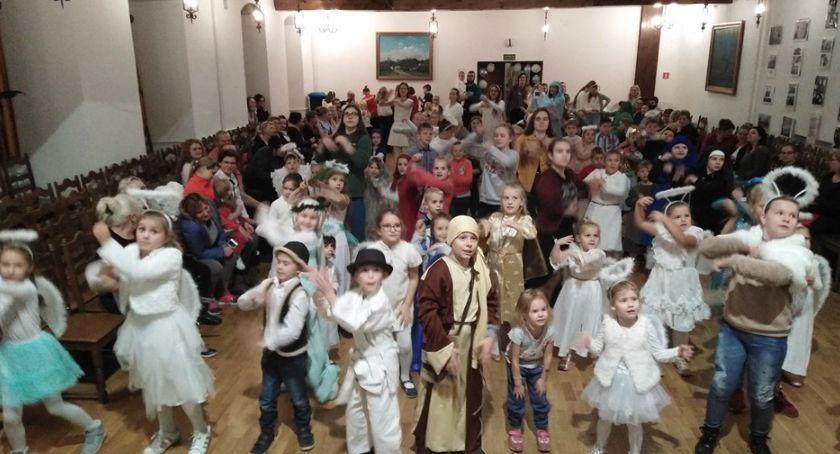 Imprezy, Wszyscy Święci balowali Nowem Rychławie - zdjęcie, fotografia