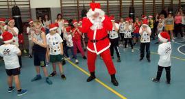 Święty Mikołaj trenował z dziećmi boks [ZDJĘCIA]