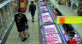 Poszukiwani sprawcy kradzieży w Biedronce w Pruszczu. Okradli sklep na ponad tysiąc złotych [WIDEO]