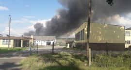 [PILNE] W Osiu pali się tartak. Strażacy walczą z ogniem