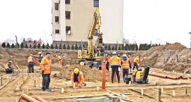 Budowlańcy pilnie poszukiwani. Bez kwalifikacji pieniądze słabe, ale specjaliści zarobią ponad 5 tysięcy