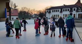 TESTUJEMY: Z jazdą na łyżwach ma to nie wiele wspólnego, ale lodowisko w Świeciu itak cieszy się powodzeniem