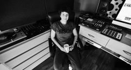 Anna Chojnacka stworzyła muzykę, w której wykorzystała dźwięki nagrane w Świeciu.  Np. w utworze Kościuszki można usłyszeć dzwony Boboli