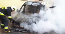 Gmina Świecie: wyciek kwasu siarkowego i płonące auta