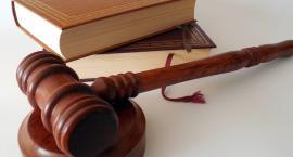 Oblał denaturatem i podpalił swoją partnerkę. Jaką karę wymierzył mu sąd, czy para się pogodziła?