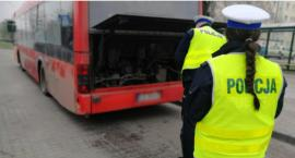 Świecka drogówka kontroluje autobusy. Każdy z nas może łatwo zgłosić niesprawny pojazd