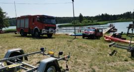 Akcja ratownicza nad kąpieliskiem w Tleniu. Strażacy poszukują osoby, która miała utonąć