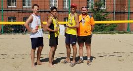 Siatkarze z Lniana najlepsi w finale Igrzysk Młodzieży Szkolnej w siatkówce plażowej