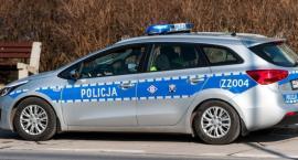W sobotni wieczór doszło do groźnego wypadku motoroweru z osobówką. 31-latek trafił do szpitala
