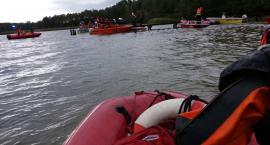 Akcja ratownicza nad jeziorem Stelchno. Strażacy szukali topielca