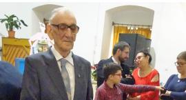 Aż 70 lat swojego życia przeznaczył na pracę z dziećmi i młodzieżą. Zostało doceniony nawet w Australii