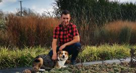 Szymon Stachurski rzucił etatową pracę na rzecz gospodarstwa. Jak da się wyżyć z ogrodnictwa?