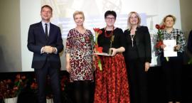 Jolanta Piekarska i Izabela Hirsch - Lewandowska ze Stalowymi Aniołami. Ich praca została doceniona [ZDJĘCIA]