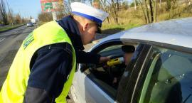 Pijany instruktor nauki jazdy został przyłapany podczas kontroli policji w Świeciu. Miał ponad promil alkoholu
