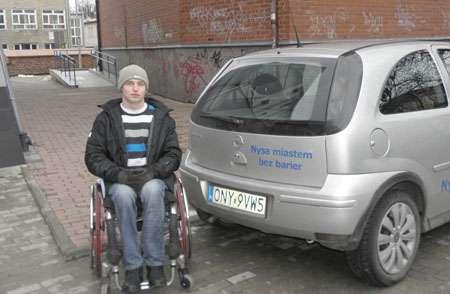 Interwencje, Dyrektor wyrzuca inwalidę - zdjęcie, fotografia