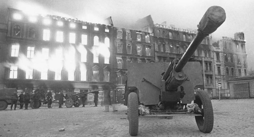 historie wojenne, marca - zdjęcie, fotografia