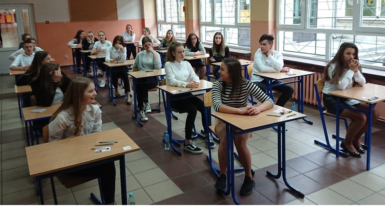 Szkolnictwo, Nauczyciele protestowali uczniowie zdawali - zdjęcie, fotografia