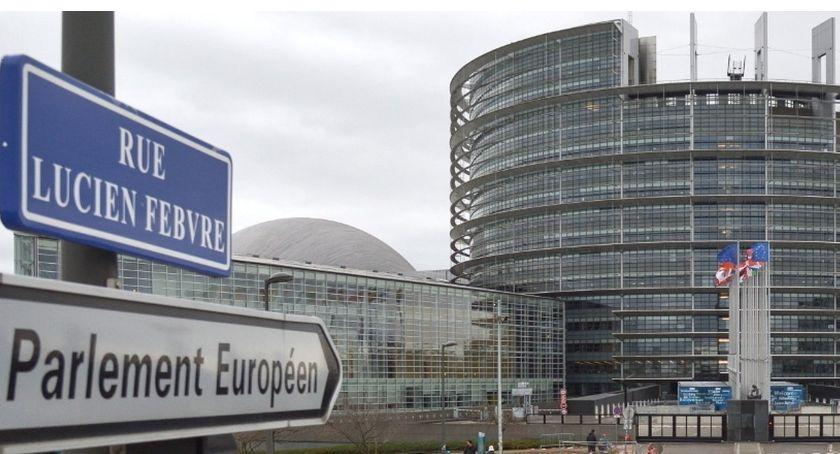 Polityka, europosłem - zdjęcie, fotografia