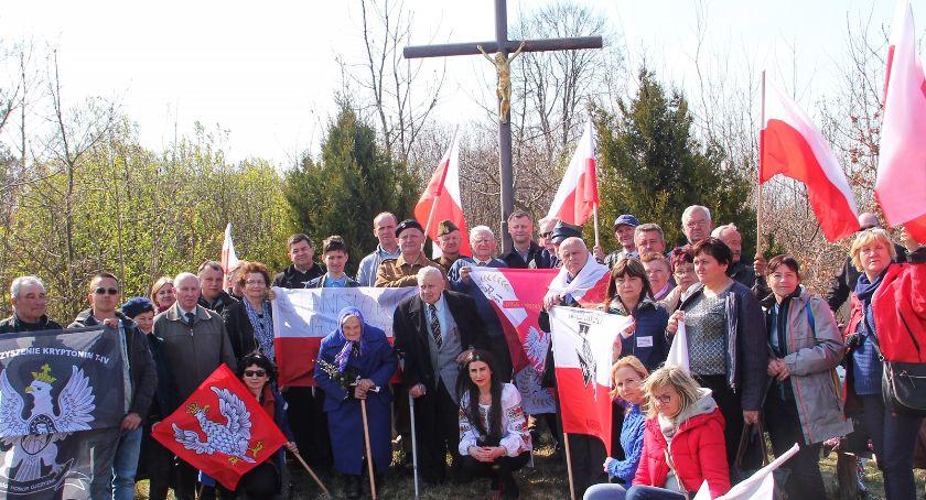 Reportaże, Potomkowie obrońców pamiętają - zdjęcie, fotografia