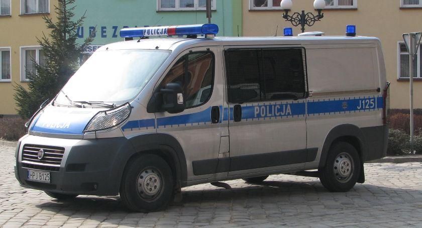 Policja , Pobicie basenu - zdjęcie, fotografia