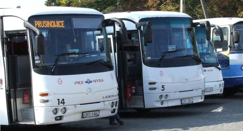 Samorząd, Autobusem darmo - zdjęcie, fotografia