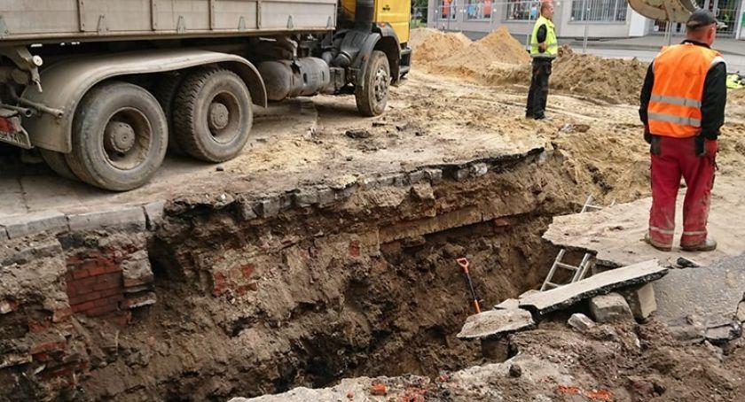 Interwencje, Odkryli stare kanały - zdjęcie, fotografia