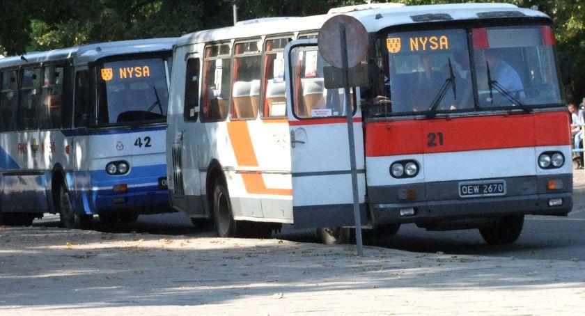 Powiat Nyski, wychodzi prostą - zdjęcie, fotografia