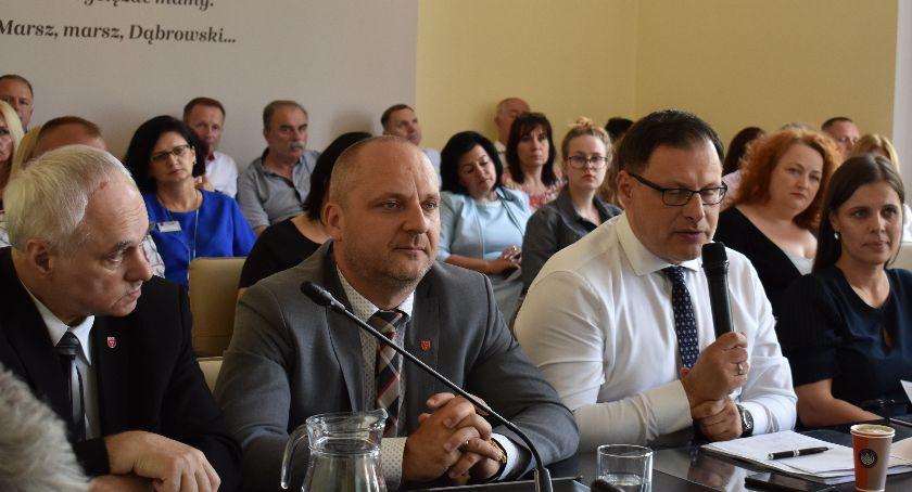 Burmistrz, Gmina wziąć szybki kredyt - zdjęcie, fotografia