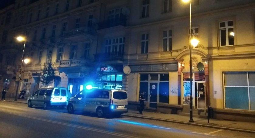 Policja , Nocny nalot salon - zdjęcie, fotografia