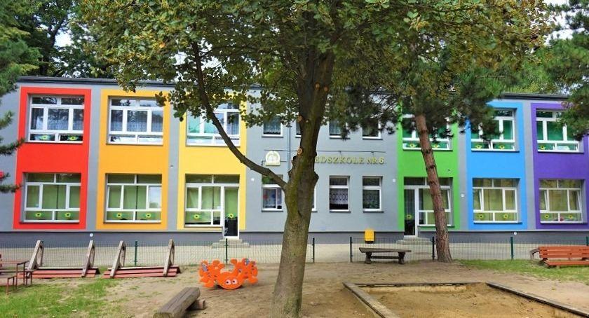 Szkolnictwo, oświetlenie sanitariaty - zdjęcie, fotografia
