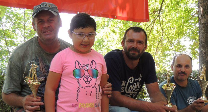 Sprawy społeczne, Wędkarze pomagają Sandrze - zdjęcie, fotografia