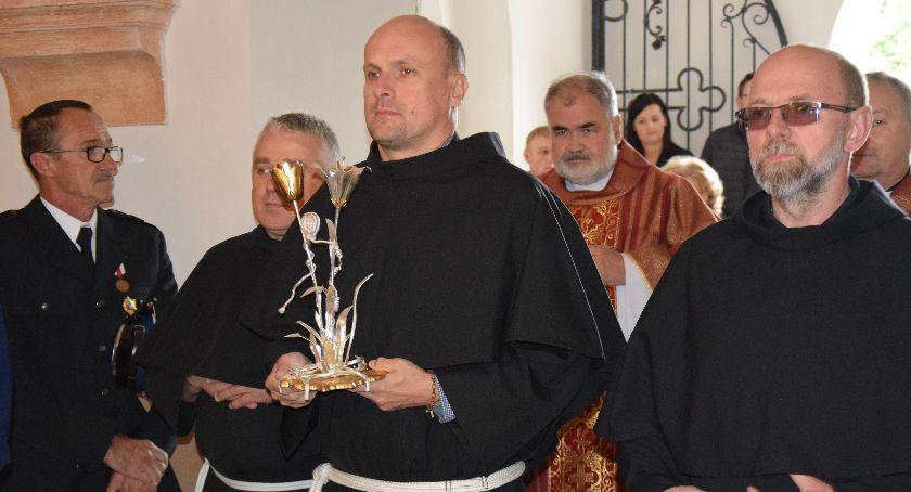Kościół, Świadkowie okrucieństwa niezłomności - zdjęcie, fotografia