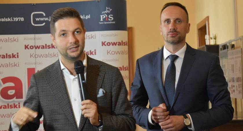 Polityka, popiera Patryk - zdjęcie, fotografia