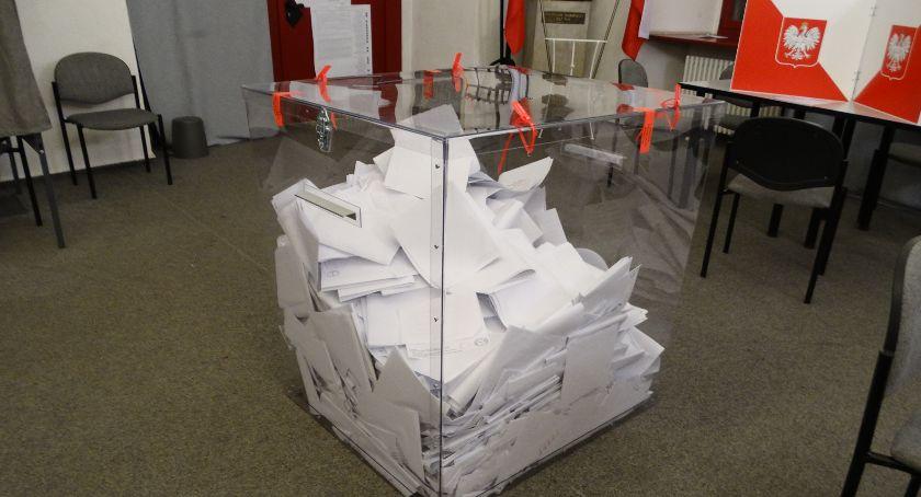Polityka, Wybory parlamentarne posła - zdjęcie, fotografia