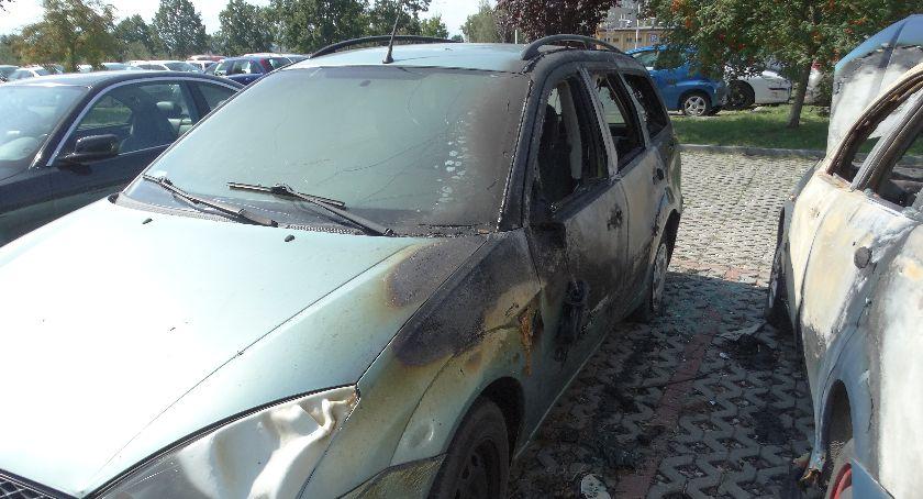 Straż pożarna , Spłonęły samochody - zdjęcie, fotografia
