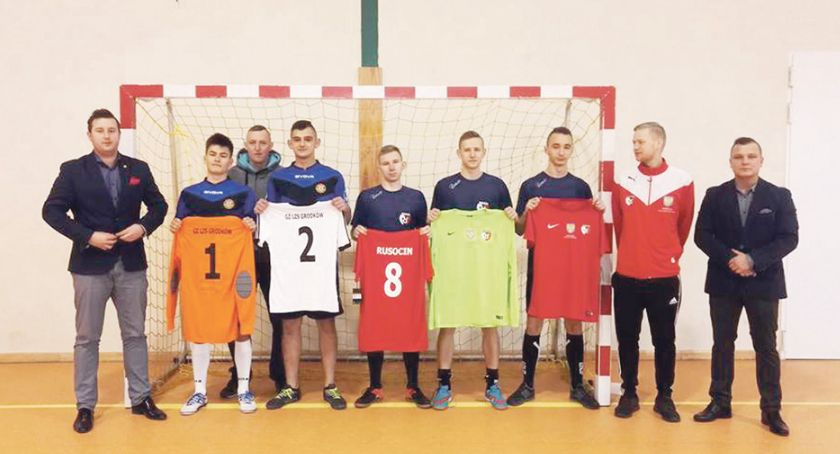 Piłka nożna, Dziś Orlik Klubowy jutro Stadion Narodowy - zdjęcie, fotografia