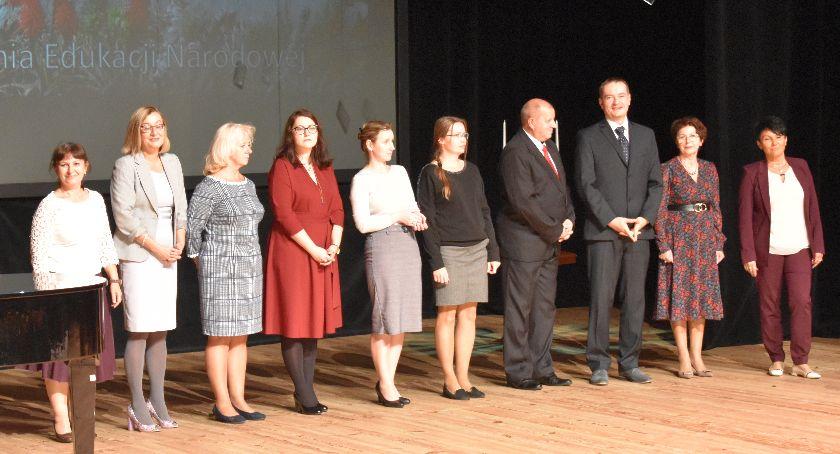 Szkolnictwo, Nagrody stypendia podziękowania - zdjęcie, fotografia