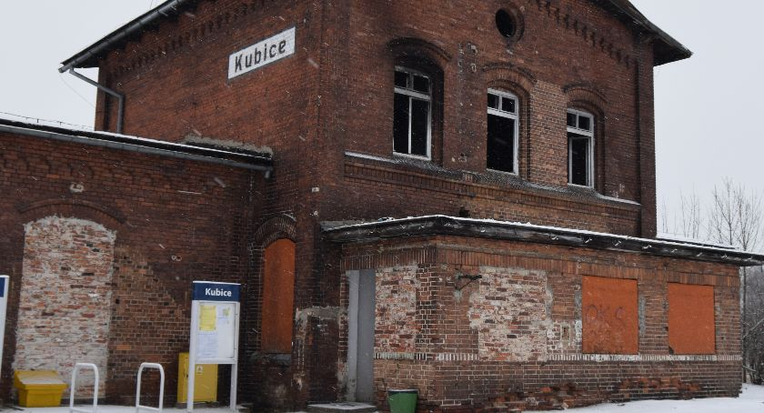 Komunikacja , stacja Kubicach - zdjęcie, fotografia