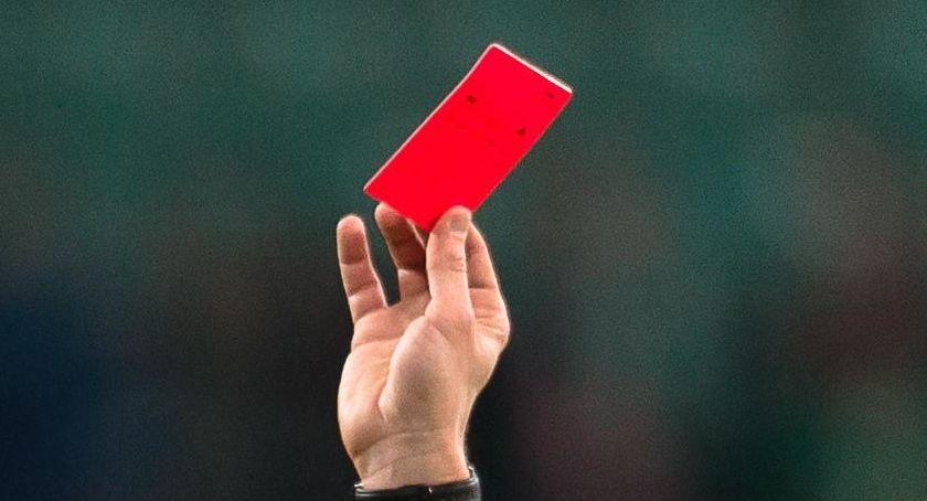 Piłka nożna, Forma protestu strajk sędziów - zdjęcie, fotografia
