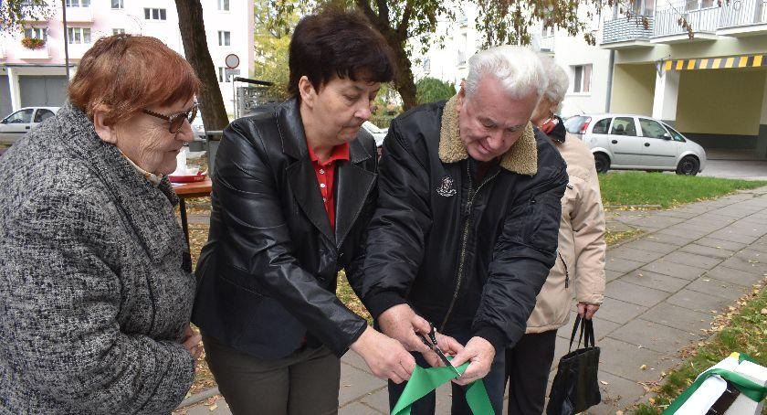 Reportaże, Ławka pamięci nysanom - zdjęcie, fotografia